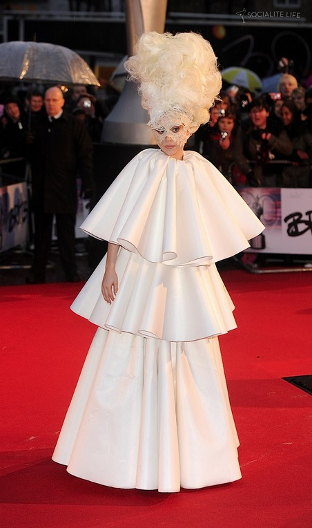 post_image-lady-gaga-2010-brit-awards-re